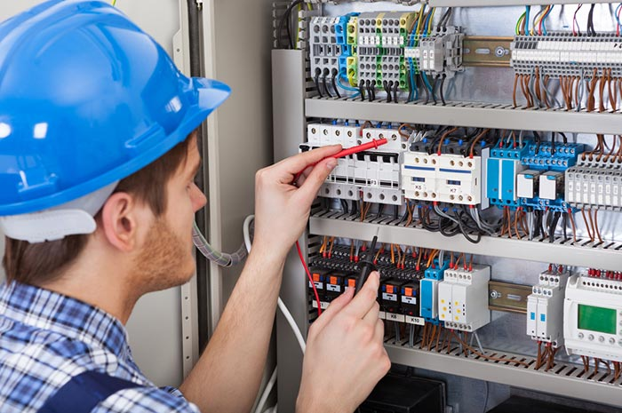 Avoid Telstra technician fees: hire your own contractor to fix your internet